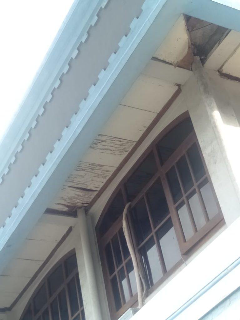 cara memilih cat atap rumah